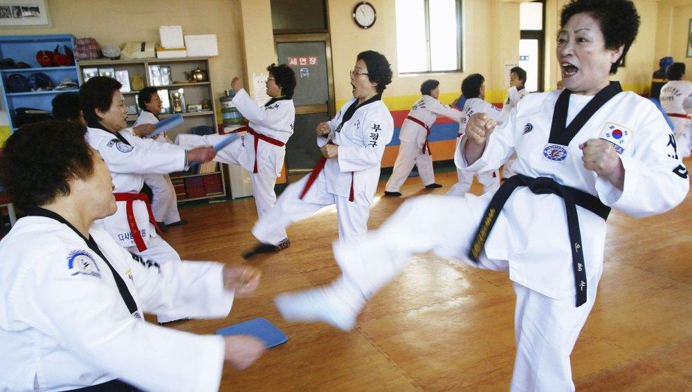 The practice of Taekwondo in old age can be something really beneficial.