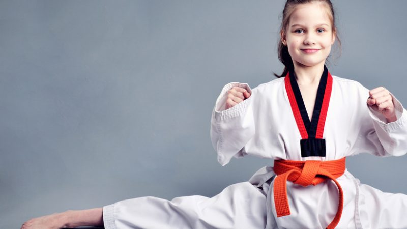 el dobok en taekwondo